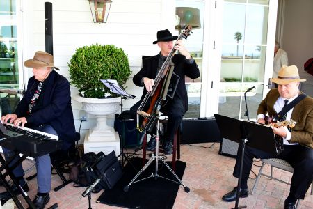5.Jazz before lunch